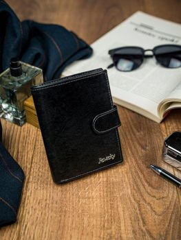 Čierna pánska kožená peňaženka 4513