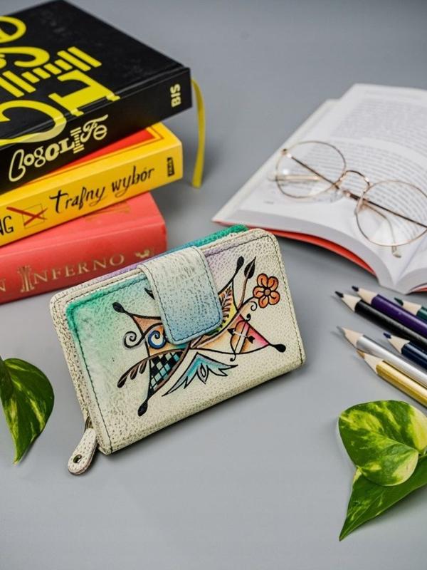 Farebná dámska kožená peňaženka 3066