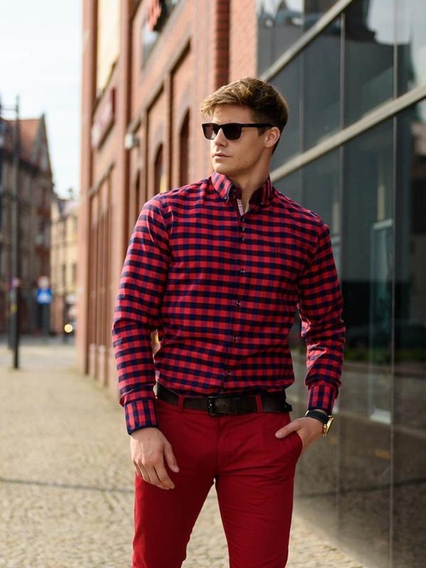 Stylizace č. 235 - sluneční brýle, károvaná košile, chino kalhoty