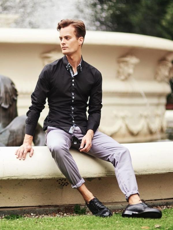 Stylizace č. 303 - brýle, elegantní košile, chino kalhoty